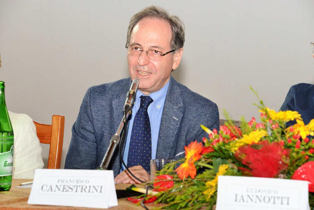 7.F, Canestrini
